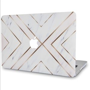 "MacBook Pro 13"" Marble Gold Stripe Hard Case Cover"